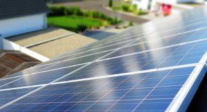 солнечные панели на крышах (фото)