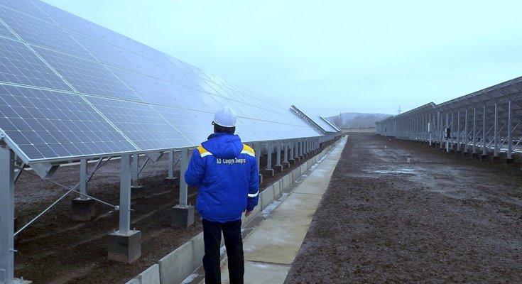 солнечная и ветровая электростанции в Казахстане