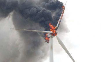 пожары на ветрогенераторах фото